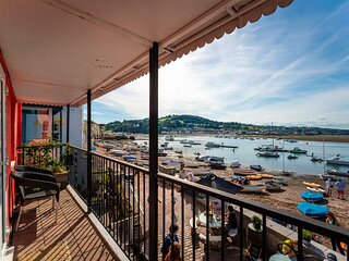 Crab Shack Apartment - Stylish Serviced Apartment on the Beach in Teignmouth
