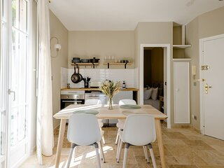 Renovated apartment in the centre of Juan-Les-Pins