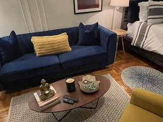 Eclectic cozy Studio in Inwood New York