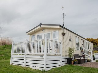 Willow Burn - 2 Bedroom Hot Tub Lodge, Bockenfield Country Park