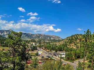 Serenity in the Beautiful Rocky Mountains, Scenic Views, Minutes to Riverwalk