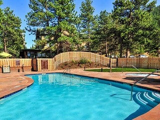 Fun for the Whole Family! 3 Pleasant Units, Hike in the Mountains, Free Parking