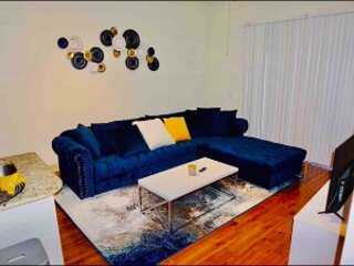 TNS Luxury Apartment, holiday rental in Brookside Village