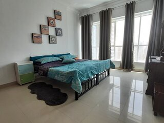 Large Room with En-suite Bathroom on the Beach Side