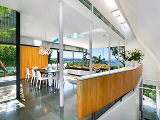 Cleverly designed floorplan provides wonderful separation