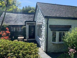 Beautiful stone cottage. Great walks. Great pub. FireStick. Superfast broadband!
