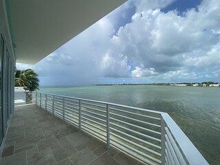 Villa Daniela- 3/2- Ocean Front-CKJR