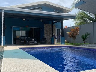 Blue Bay House - Completely Equipped Private House w/ Pool at Excelent Location
