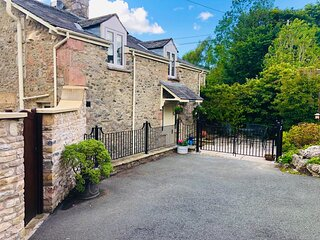 Norwood Cottage (Cosy cottage in a quiet hamlet near Kirkby Lonsdale)