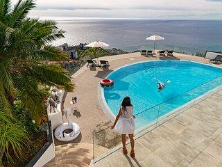 Sky Villa, fantastic pool and phenomenal view in a luxury urbanization