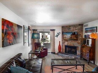 Stylish Central Scottsdale Ground Floor Condo!