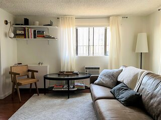 Private 1BR apartment in walkable artsy Silverlake, free parking