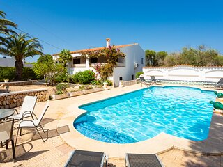 Villa Cas Sucrer: Large Private Pool, Walk to Beach, A/C, WiFi, Car Not Required