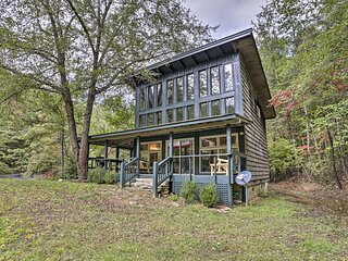 NEW! Charming & Secluded Cabin w/ Fire Pit & Porch