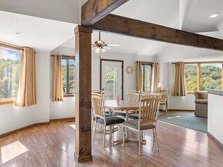 Holiday Shores 24 - Beautiful Villa with Resort Amenities!