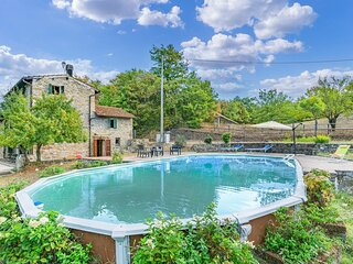 Awesome home in Castel di Casio with Outdoor swimming pool, WiFi and 5 Bedrooms