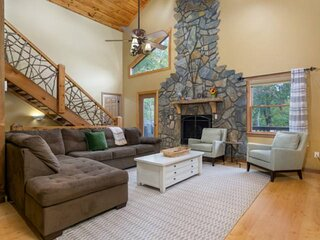 Newly Listed! Rustic Mountain Getaway Cabin in Waynesville, NC  - Fire Pit - BBQ