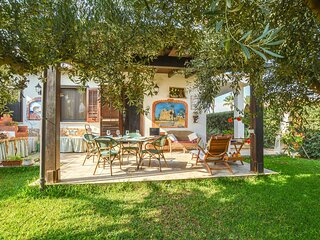 Awesome home in Tre Fontane with 2 Bedrooms (IST101)
