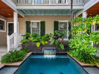 A Spring Break vacation paradise! And a short walk to the best of Key West!