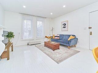 Chic Manhattan Garden Apartment