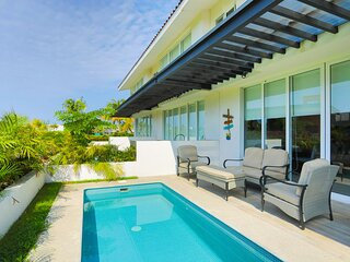 Perfect place for a big family getaway!  El Tigre Golf, private pool & Beach Clu