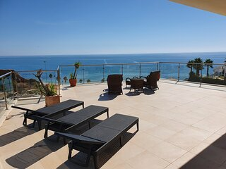 AT02 Luxury Penthouse Apartment with excellent Sea Views