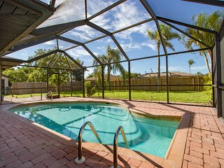 Dream family vacation. Pool fun. Pet friendly. Villa Florida Flair