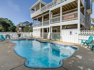 Wine Down   1830 ft from the Beach   Private Pool, Hot Tub, Dog Friendly   Corol