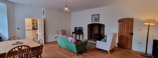 The Courtyard Strangford - Lovely Large Apartment, location de vacances à Killough
