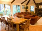 Family-Reunion Sunriver Home Pet-Friendly and Hot Tub Near the Village