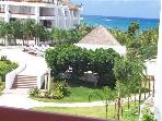 Romantic 1BR Oceanview. Private Bath on Balcony. King  Bed. Satellite TV