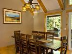 Plumas Dining area