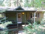 Great family home + studio - a/c, deck, pool table, internet