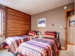 Double Eagle Twin Bedroom Breckenridge Ski-in Lodging