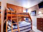 Double Eagle Bunk Bedroom Breckenridge Ski-in Lodging