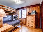 Lonestar Lodge Upstairs Bunk Room Breckenridge Luxury Rentals
