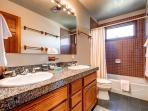 Mountain Comfort Haus Shared Upstairs Bathroom Breckenridge Lodg