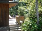 LITTLE APPLE COTTAGE,~GREAT LOCATION-in a quiet neighborhood in Manzanita OR!