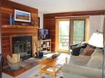 TR308 Lovely Condo w/Wifi, Clubhouse, Mountain Views, Fireplace
