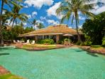 Sea Shells Beach House - Lush Tropical Gardens with Lagoon Pool, Hot Tub, Ocean and Beach Front Setting