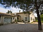 Villa Francine, Beautiful 4 Bedroom Provence Home with Sauna and Pool