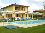 Spacious Family Villa in Tuscany with Private Pool - Villino Fiume
