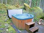 AAaah...The Private Hot Tub Awaits Your Arrival!