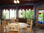 Guest dining seats 6