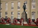 VMI and Stonewall Jackson statue