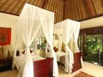 Villa Kanti Ubud Bali - Twin Bedroom