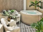 Casa Caribe- Beautiful Duval Square Condo w/ Pvt Hot Tub