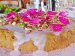 lemon, pistachio & rose petal cake!