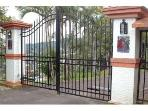 Entrance gate to Robin's Nest Cottage