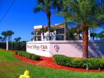 Ocean Village Club - 2 Poos and a lush tropical landscape Copyright #Anneflovc